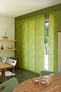 fl chenvorh nge als moderne vorhangvariante. Black Bedroom Furniture Sets. Home Design Ideas